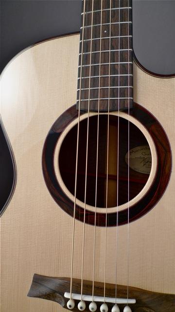 Mountain Song Guitars now available through Dream Guitars